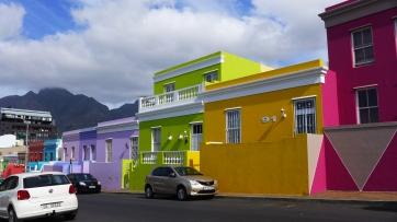 Casas en el barrio de Bo-Kaap, Cape Town. parejaconbotas.blog