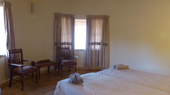 vista interior de habitación en alojamiento de Mopani camp, Kruger NP