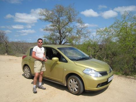 Nuestro coche en el primer viaje a Kruger national park. Parejaconbotas.blog
